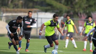 Chivas vs. Coras en duelo de preparación.
