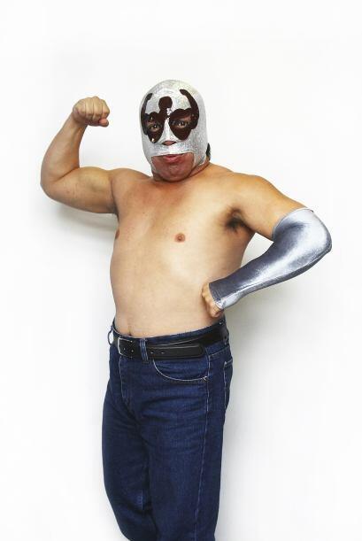 Jose Alvarado Nieves nació en la ciudad de México. Debutó en 1997 bajo e...