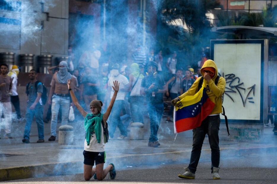 Venezuela arde entre protestas GettyImages-666245958.jpg
