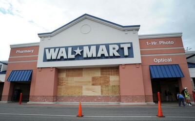 Walmart, la mayor tienda minorista, lanzó una serie de ofertas na...