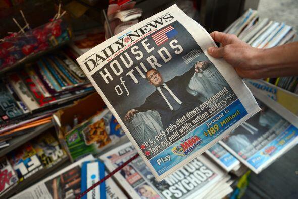 .Los economistas observaron un gran peligro financiero si EEUU caía en u...