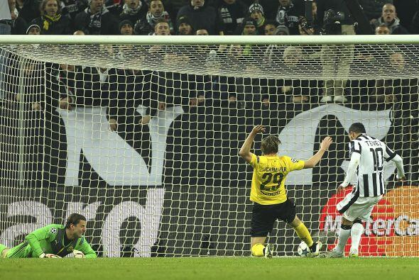 El gol no tardaría en llegar, al minuto 13 un centro de Morata sería emp...