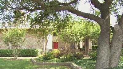 Encuentran a transgénero de origen hispano sin vida al interior de un apartamento en Dallas