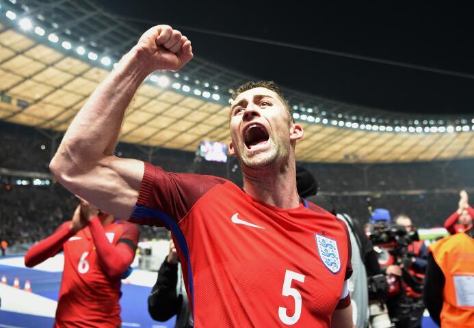 Y en el tiempo añadido, el defensa Eric Dier dio la victoria a Inglaterra