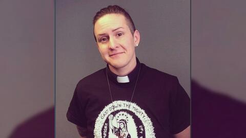 Una iglesia metodista de Illinois ordena al primer diácono transgénero