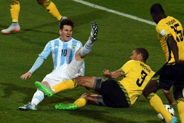 Argentina no convence en la Copa América y sufrió demasiado para vencer...