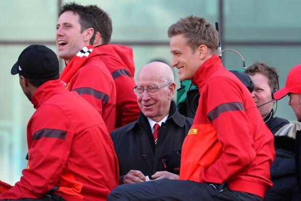 No podía faltar el mítico Bobby Charlton, un emblema de este conjunto y...