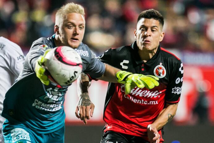 Los Xolos remontan al León y siguen soñando con la Liguilla 20171103-638...