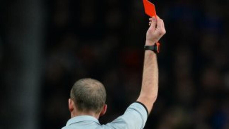 Ismail Gündüz agredió a un árbitro por darle un cabezazo.