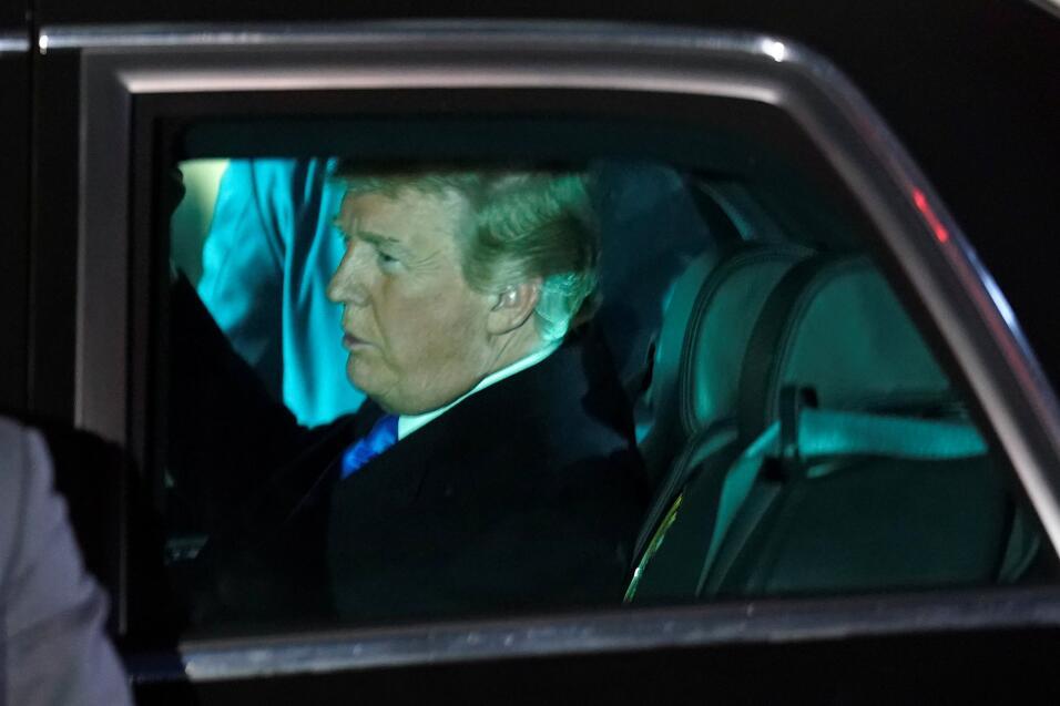 En camino al discurso del Estado de la Unión, el Donald Trump en...