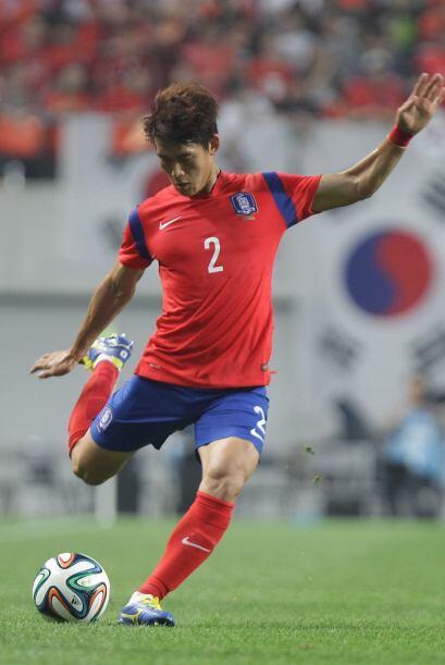 Yong Lee. Posición: Defensa. Fecha de nacimiento: 24 de diciembre de 198...