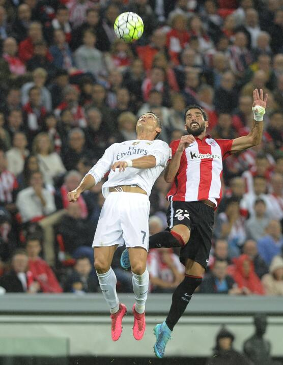 Athletic de Bilbao 1-2 Real Madrid: Benzema los lleva al liderato con do...