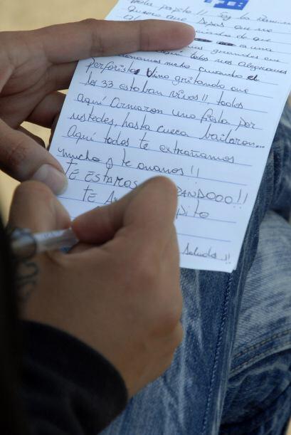 """25 de agosto: Las autoridades anuncian que los """"33"""" saben que el rescate..."""