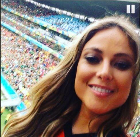 Vanessa Huppenkothen, conductora de deportes de Televisa, apoyó al TRI d...