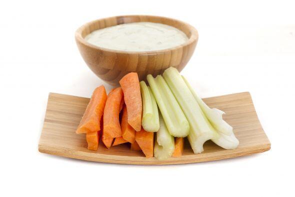 Zanahoria y 2 cucharadas de 'dip' casero. Aprovecha el fin de semana par...
