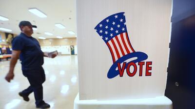 Imágenes de la jornada electoral en California con masiva participación de hispanos
