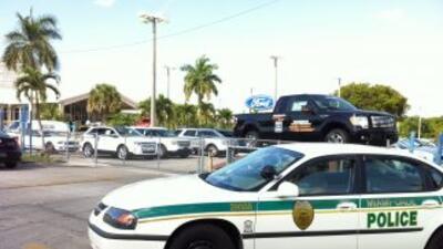 Tiroteo policial en concesionarios de autos en la 16800 NW 57 Ave.