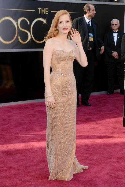 Una de las más ardientes fue Jessica Chastain, cuyo vestido de Giorgio A...