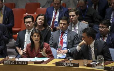 La embajadora de los Estados Unidos ante las Naciones Unidas, Nikki Hale...