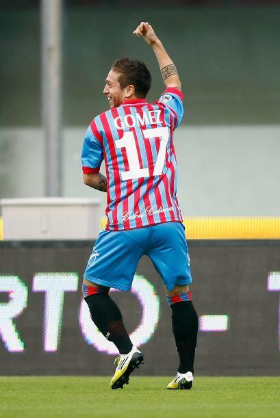 Gómez les hizo dos anotaciones y lideró la goleada sobre los 'Viola' de...