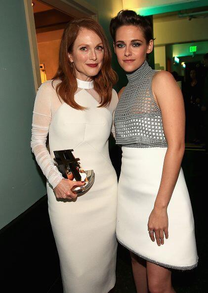 Kristen Stewart, además de reencontrarse con su 'ex', premió a la talent...