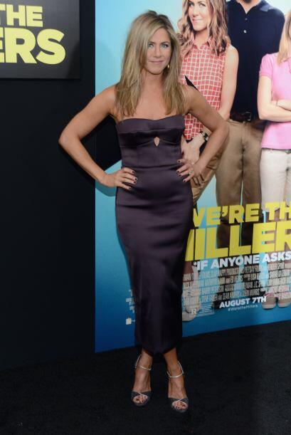 La actriz acudió al estreno de la cinta 'We're The Millers' y luc...