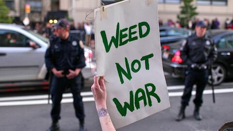 "La llamada ""guerra contra las drogas"" encarceló de mane..."