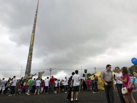 Centos de brasileños se congregaron en Sao Paulo para construir l...