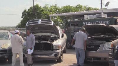 El Departamento de Policía de San Antonio subasta vehículos confiscados