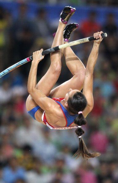Yelena Isinbayeva fue sexta en la final de salto con pértiga. La rusa se...