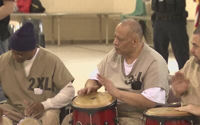 Programa de arte del Centro de Rehabilitación del condado Cook brinda es...