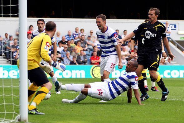 Danny Gabbidon, del Queens Park Rangers, convirtió un gol...pero en su p...