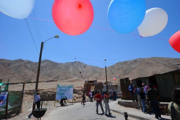 Al llegar al hogar del boliviano Mamani, un puñado de familiares, compat...