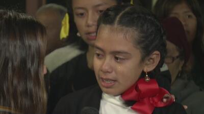 Con lágrimas, esta niña le pidió a la Virgen de Guadalupe por la salud de sus abuelitos