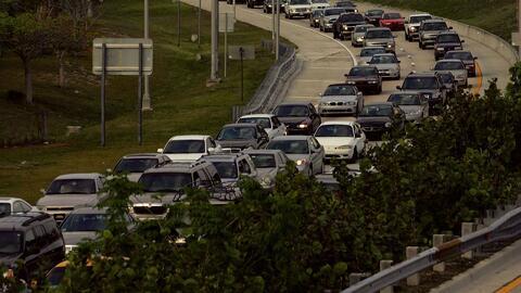 Carriles estrés: tránsito por las vías rápidas y los peajes con costo en...