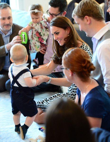 Esta reunión entre padres de familia neozelandeses y los duques de Cambr...