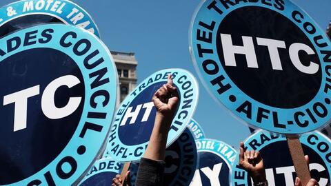 Aumentan salario mínimo a trabajadores de comida rápida en Nueva York