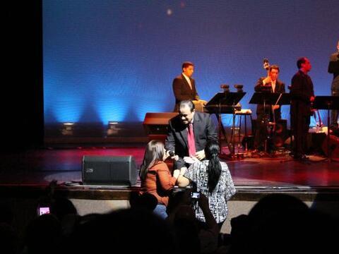 Tony Vega celebró sus 37 años de carrera musical en un con...