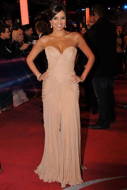 Pamela Silva, con un color de moda, fue de las mejor vestidas.