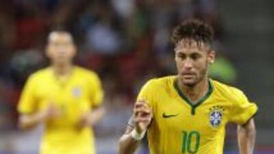 Neymar lleva 40 goles anotados con Brasil.