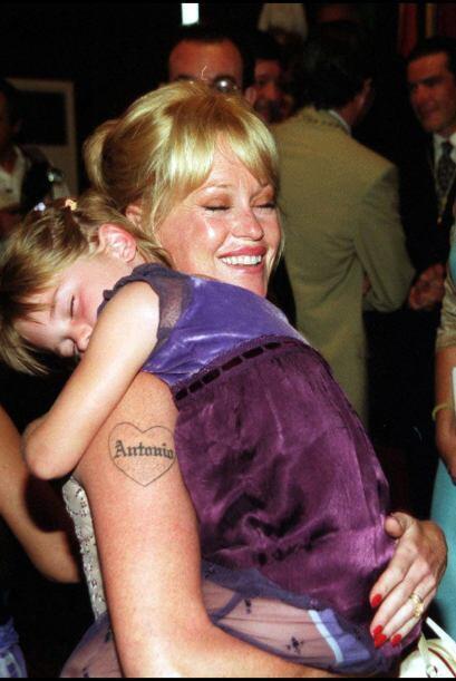 Uno de los tatuajes más recordados fue el de Melanie Griffith. Cómo olvi...