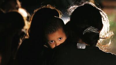 Gobierno planea abrir en Houston un centro de detención temporal para albergar a 240 niños que cruzaron la frontera
