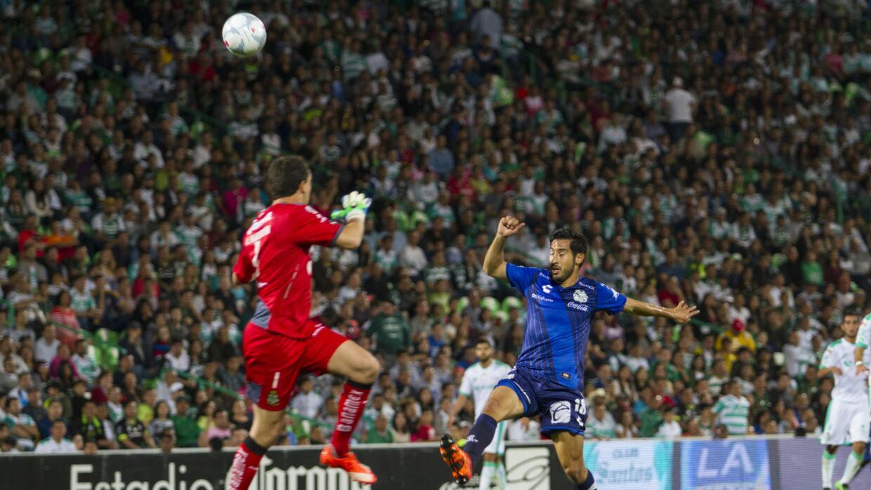 Santos no pudo con un Puebla combativo.