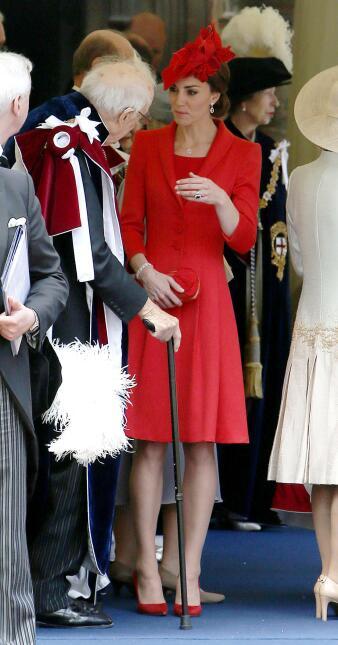 Los 50 mejores vestidos que usó Kate Middleton en 2016 GettyImages-53988...
