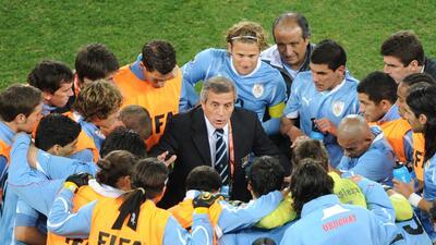 Historias de Mundiales: Óscar Tábarez, el 'Maestro' de las cuatro 'citas' con Uruguay