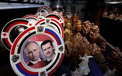 Vladimr Putin es tan popular en Siria que aparece junto al presidente Ba...