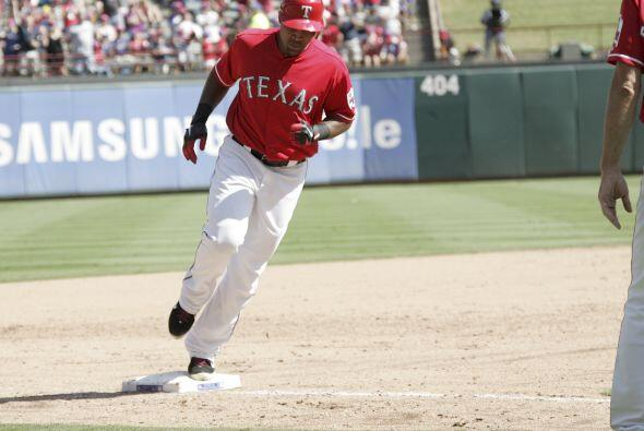 3B. Adrián Beltré. Rangers de Texas.   El dominicano bateó para un prome...
