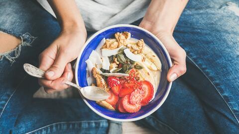 ¿Cómo comer bien si no tienes opciones saludables a tu alcance?