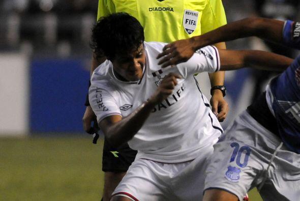 Christian Cueva (camisa blanca), conocido como 'Cuevita', es un volante...