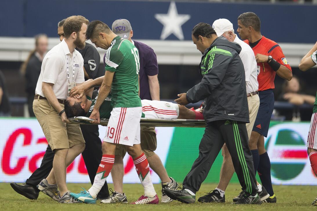 La lesión Néstor Araujo recuerda la del 'Chapito' Montes en 2014 2014053...